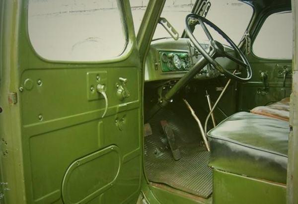 从铁板座椅到加热座椅这些年驾驶室都变化盘点卡车上那些舒适性配置