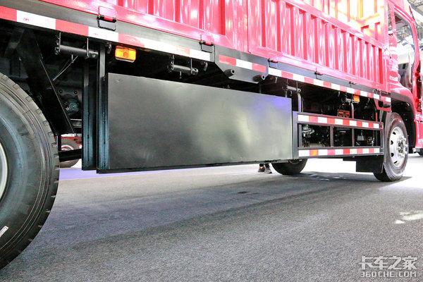 商用车展看国六这台6.8米A6L真不简单