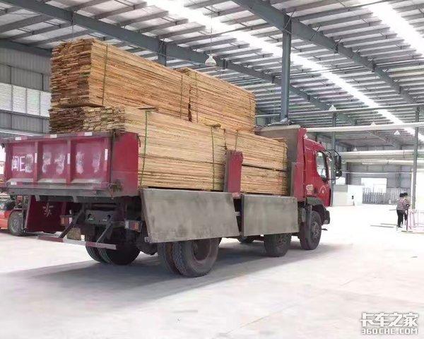 你连不同的自卸车厢分别适合哪些工况都不知道,还开什么自卸车!