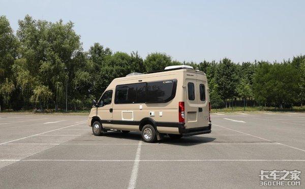 15万公里的质保实拍景宴B型自动挡房车