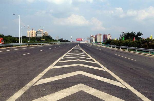 沈海高速:宁德北往下白石方向实施封闭交通管制
