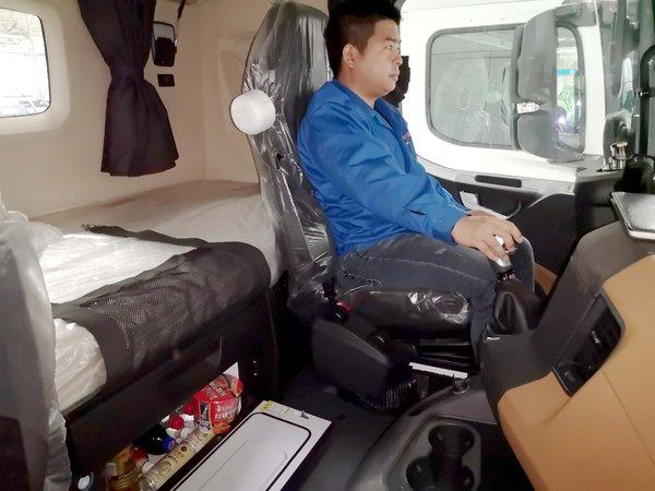 超高配还搭载车载冰箱陕汽X6000要来了