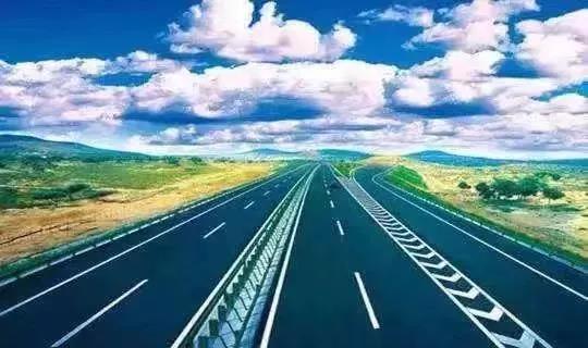涨知识!为什么很多高速上都没有路灯?