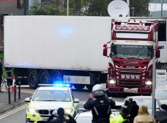 """英国""""死亡货车""""遇难者全为越南公民人民网:CNN的乱中阴谋还在继续"""