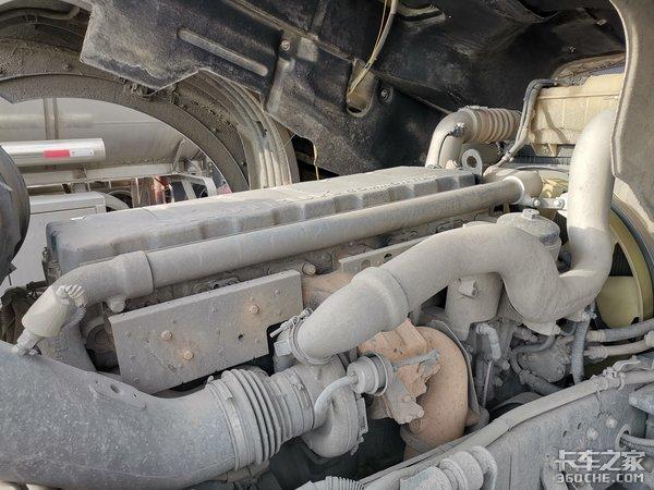 重汽智能卡车长测(1)10万公里三大件无维修三台变速箱轻微渗油