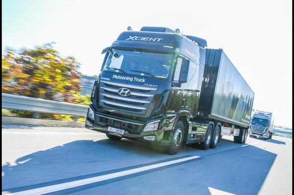 现代汽车进行卡车编队试验领头卡车与后方卡车保持16.7米距离