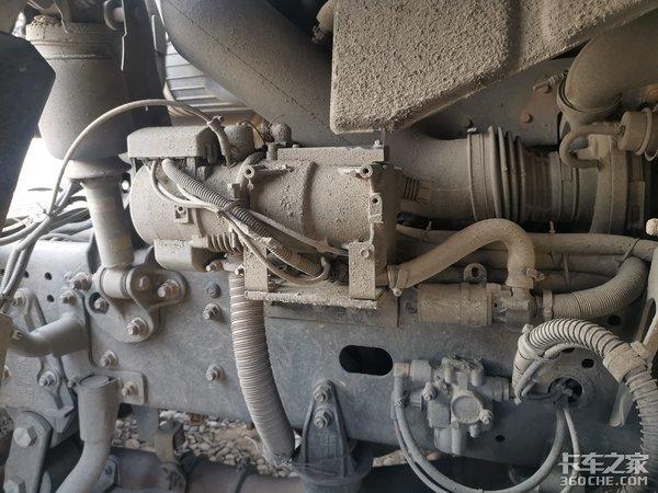 重汽智能卡车长测(2)消音器绑带容易断裂没有水暖加热冬天不好受