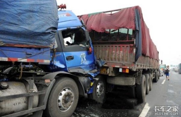 从一场6车连环追尾事故中侥幸活下来后,我果断辞去开快递车的工作