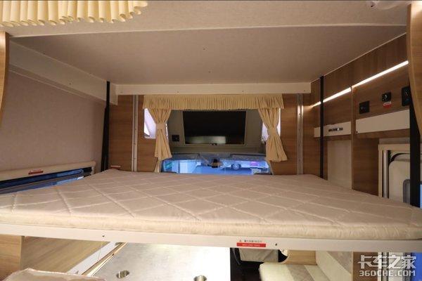 分享一款有灵性的房车:小额头设计,隐藏式大床,空间里满满都是亮点