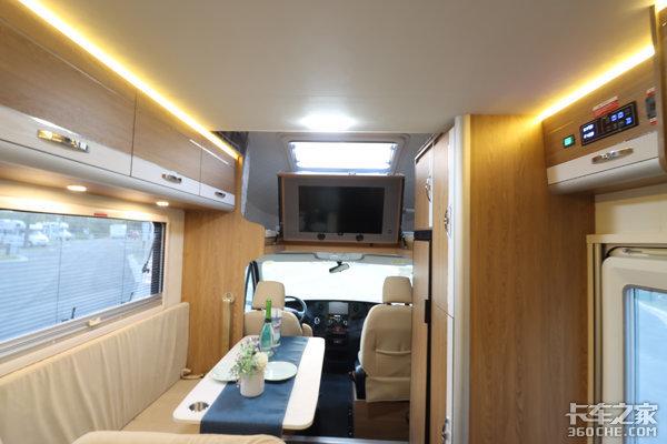 高配水电,底盘性能更优,欧胜新款房车做工太精致,根本移不开眼!
