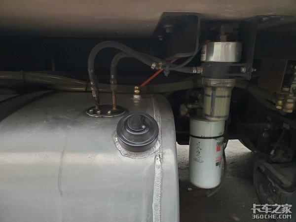 偶遇欧曼EST冷藏车车主专业治愈强迫症