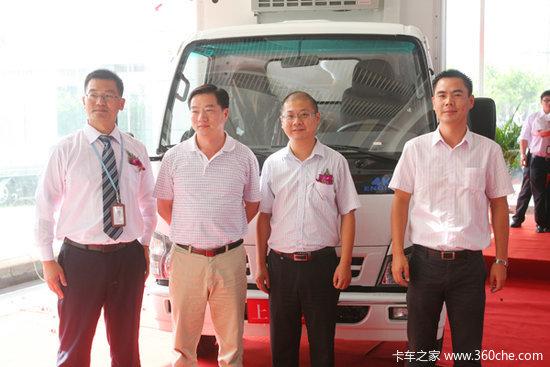 进军高端领域庆铃原厂冷藏车亮相上海