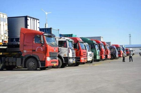 大货车非法改装成利益链:随意改造、车检保过