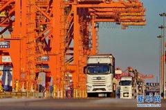 唐山港:无人驾驶集装箱卡车投入试运行