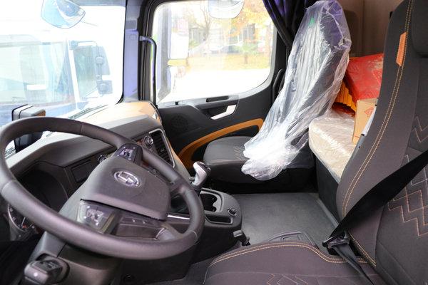 保证绝对安全送达图解德龙M6000油罐车