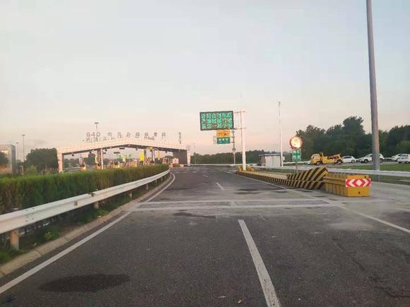 """上海高速公路收费站称重设备全覆盖违法超限超载货车将""""无处遁形"""""""