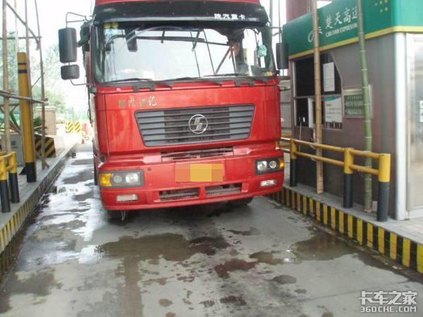 货车上高速均要称重上海多部门联合开展治超专项整治