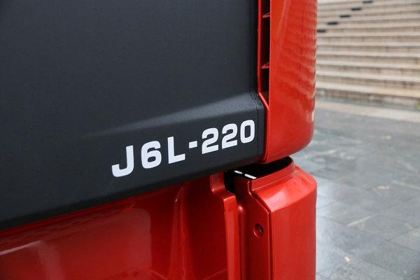 两张床才够用图解高顶双卧一汽解放J6L