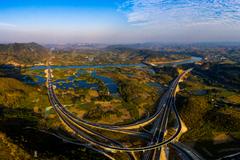 最美��P路:崇左至水口高速公路建成!