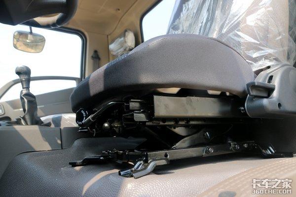 中体驾驶室还配悬浮座椅!四川现代这款中高级轻卡不简单