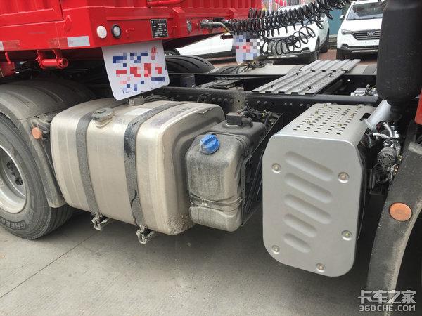 搭载潍柴WP12发动机,内饰秀到极致,车主说卓越版JH6就是他的好队友