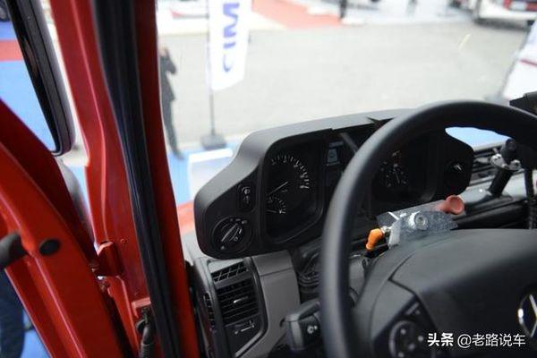 不走寻常路乌尼莫克公铁两用消防车!