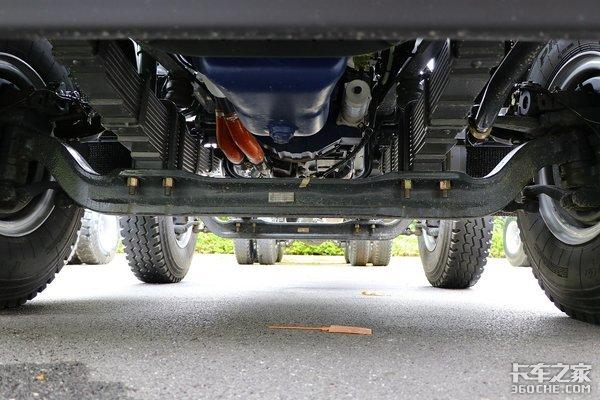 500马力+液力缓速器乘龙H7工程车图解