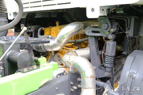 自重仅为13吨乘龙H5混凝土搅拌车图解