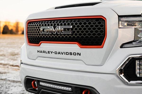 哈雷戴维森/GMC跨界合作推出联名皮卡