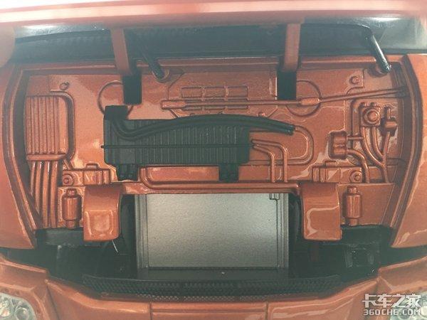 第一个真正意义上的自主重卡平台,实拍联合U460牵引车模型
