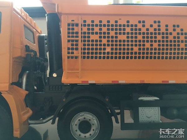 颜值即是正义,这样的联合卡车自卸车模型我可以玩1年