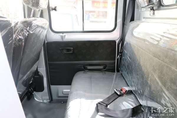 双排驾驶室配2.55米长货厢,载人拉货全能,金杯T22S微卡只要4.28万