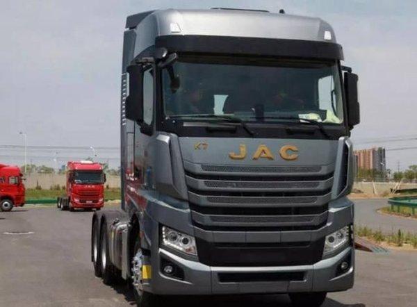 为什么大型的卡车动不动就十几个挡位?原因其实很简单