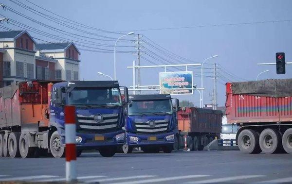 公安部通知适当放宽货车进城物资运输车轻微违法原则上不予处罚!