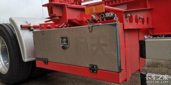 BPW空气悬架+JOST支腿+美铝轮圈,这款集装箱骨架车只有4.8吨
