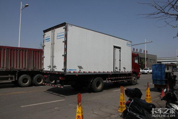 国务院:支持冷链物流企业扩大鲜活农产品收购运输车辆优先便捷通行