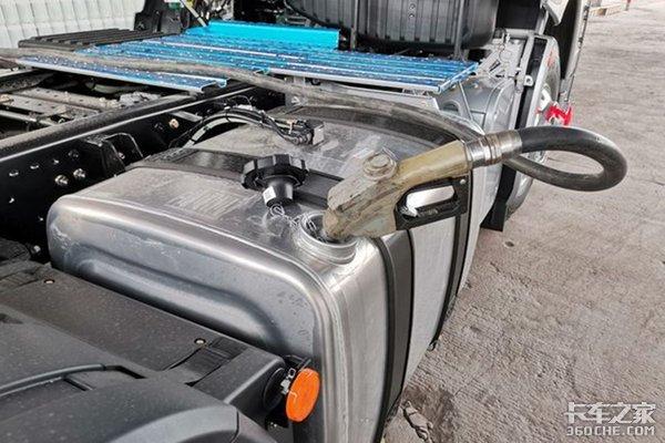 油价下跌!加满800升柴油将少花272元!