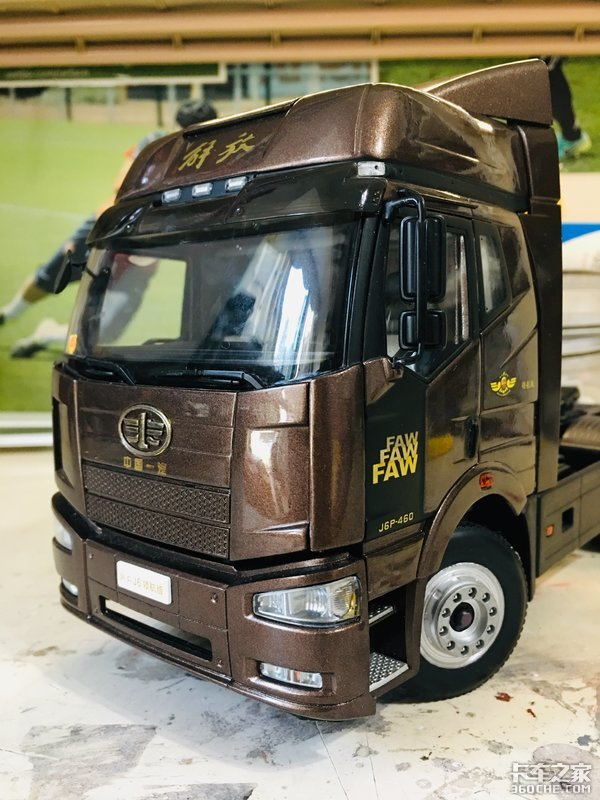 解放牵引车主力产品,细品J6P卡车模型,和真车相比有点瑕疵