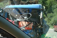 厄瓜多���l生�L途客� �c卡�相撞事故