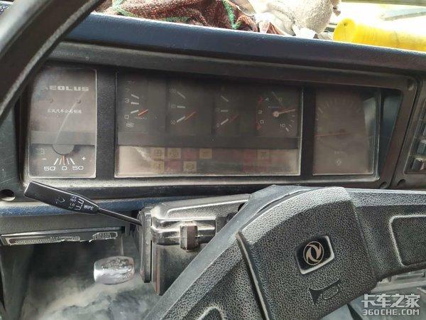 经典东风EQ140尖头驾驶室,多种动力可选,详解十通锐狮自卸车
