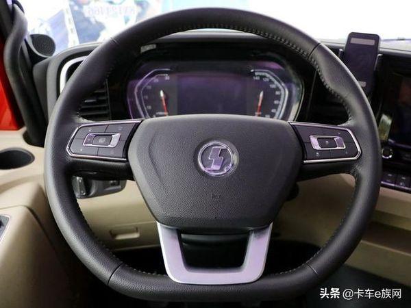 解放J7像奥迪、陕汽走赛车风格国产重卡方向盘哪家更好用?