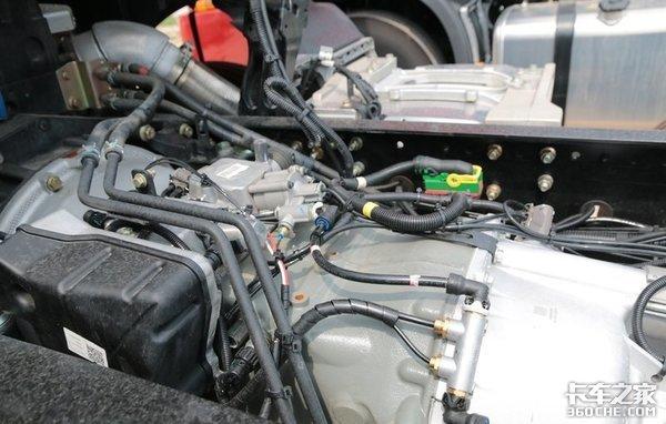 大马力发动机+小速比后桥+气囊悬架,东风天龙8X4载货车能多拉1吨货