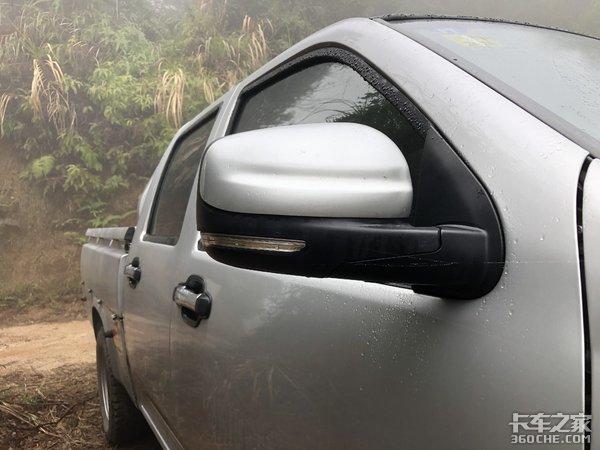 轿车驾驶室+微卡货厢,顶配只要7万出头,这款皮卡太实用了