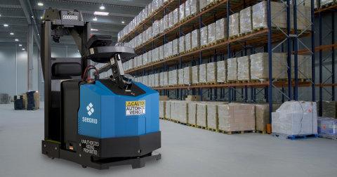 Seegrid推出自动充电自动驾驶车用于配送公司等自动移动材料