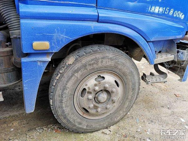 曾经的功勋车如今已退役,从配置来看,这台福田ETX3中卡依然很出彩
