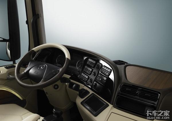 从SK到Actros,近30年奔驰卡车每一次换代,都将舒适性发挥到极致