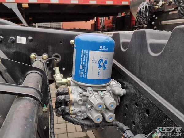 玉柴动力+法士特12挡箱,这款东风天龙LNG重卡,你细品