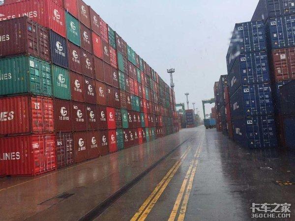 全球疫情冲击业内预测:半个月后上海港运价将下跌