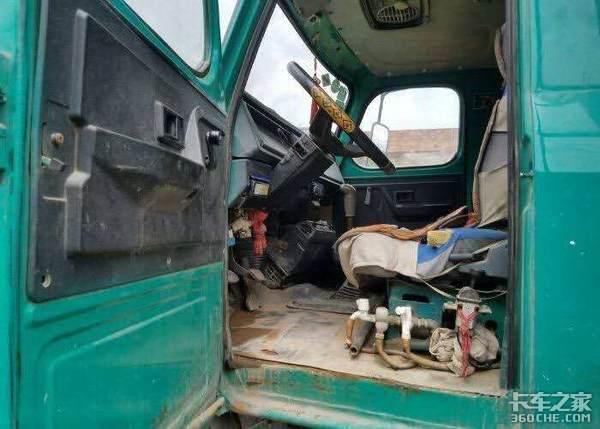 """干重活是一把好手,柳汽龙卡自卸车对得起""""开山王""""的称号"""