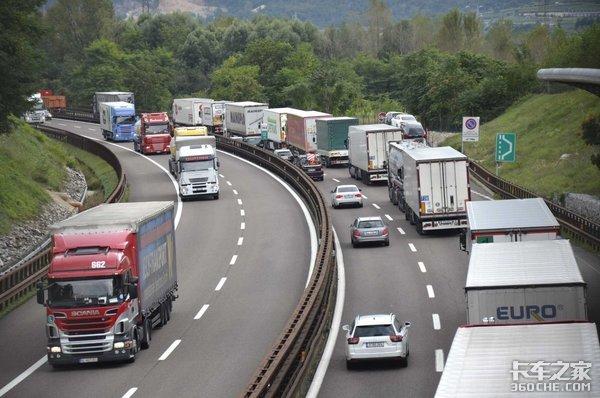 疫情下的中国、美国和欧洲卡车司机生活纪实,谁的日子都不好过